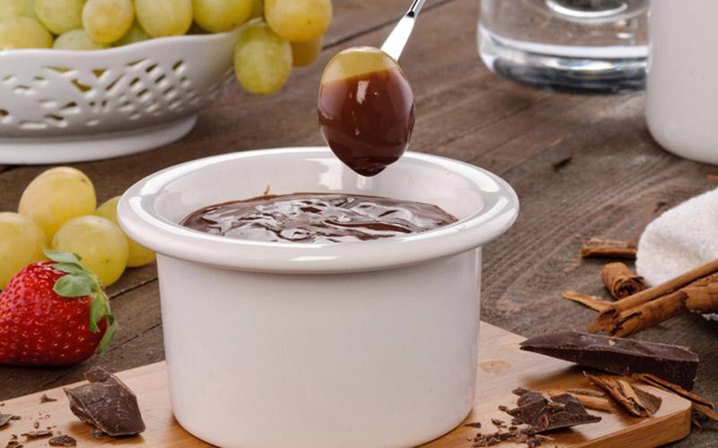 Виноград в шоколаде с каннабисом фото