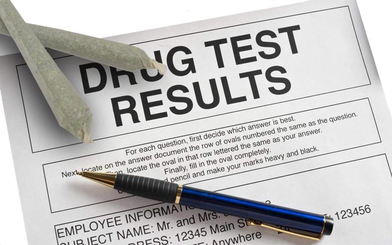 Бланк с результатом теста на наркотики